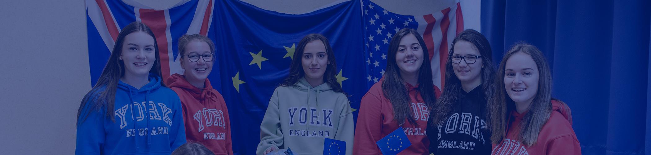 Eine Gruppe von Schülerinnen beim Internationalen Tag der Sprachen.